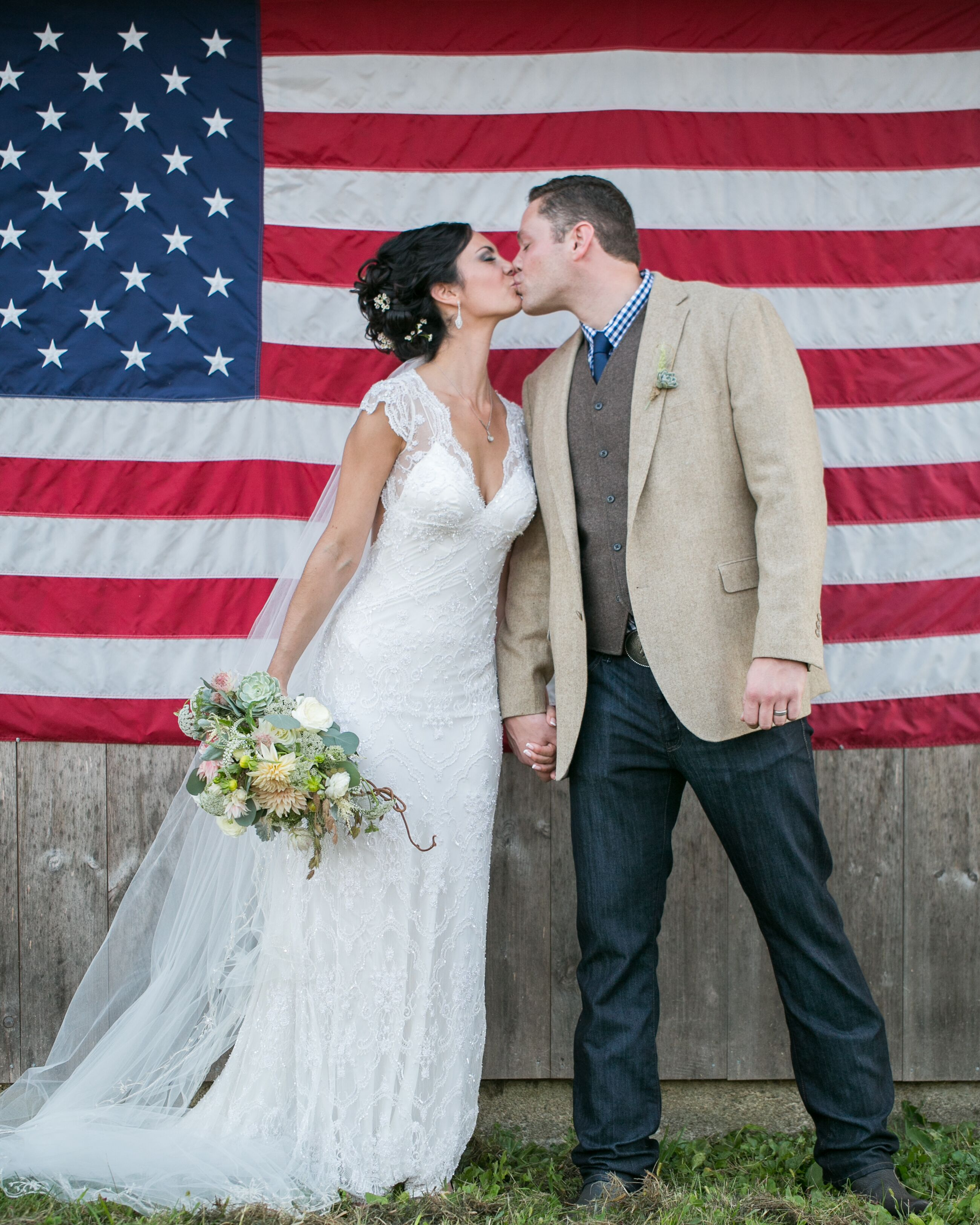 a rustic chic backyard wedding at a private home in pawcatuck