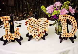 Wedding decor with wine corks: Stephanie Ann Photography / TheKnot.com