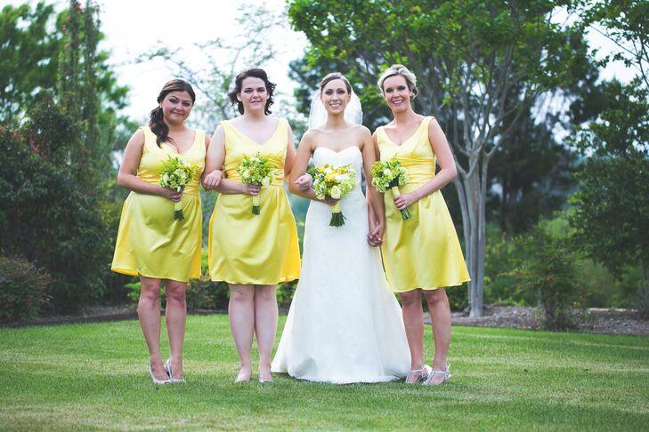 A Simple Spring Wedding At Antebellum Oaks In Austin, Texas