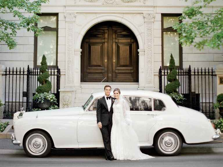 antique car downtown chicago wedding