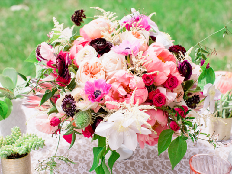 Wedding flowers bouquets and centerpieces for Wedding flowers ideas pictures