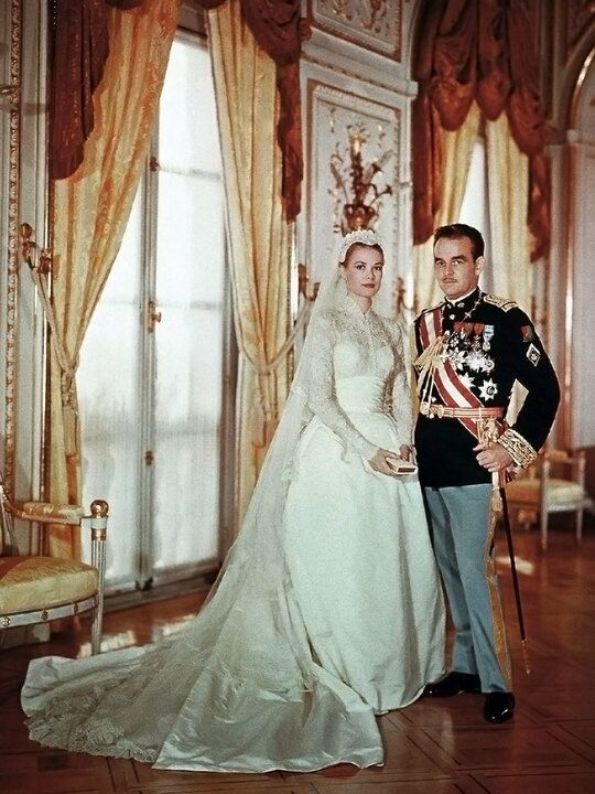 The most iconic royal wedding dresses princess grace kelly and prince rainier iii of monaco junglespirit Image collections