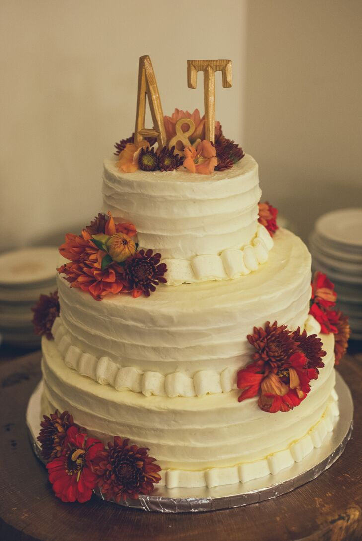 Tiered Wedding Cake With Burgundy Accents