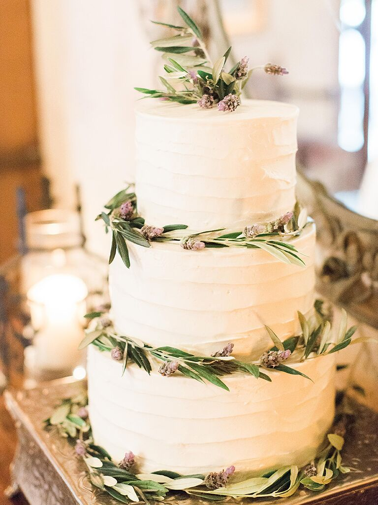 Tips and inspiration for your perfect rustic wedding cake.