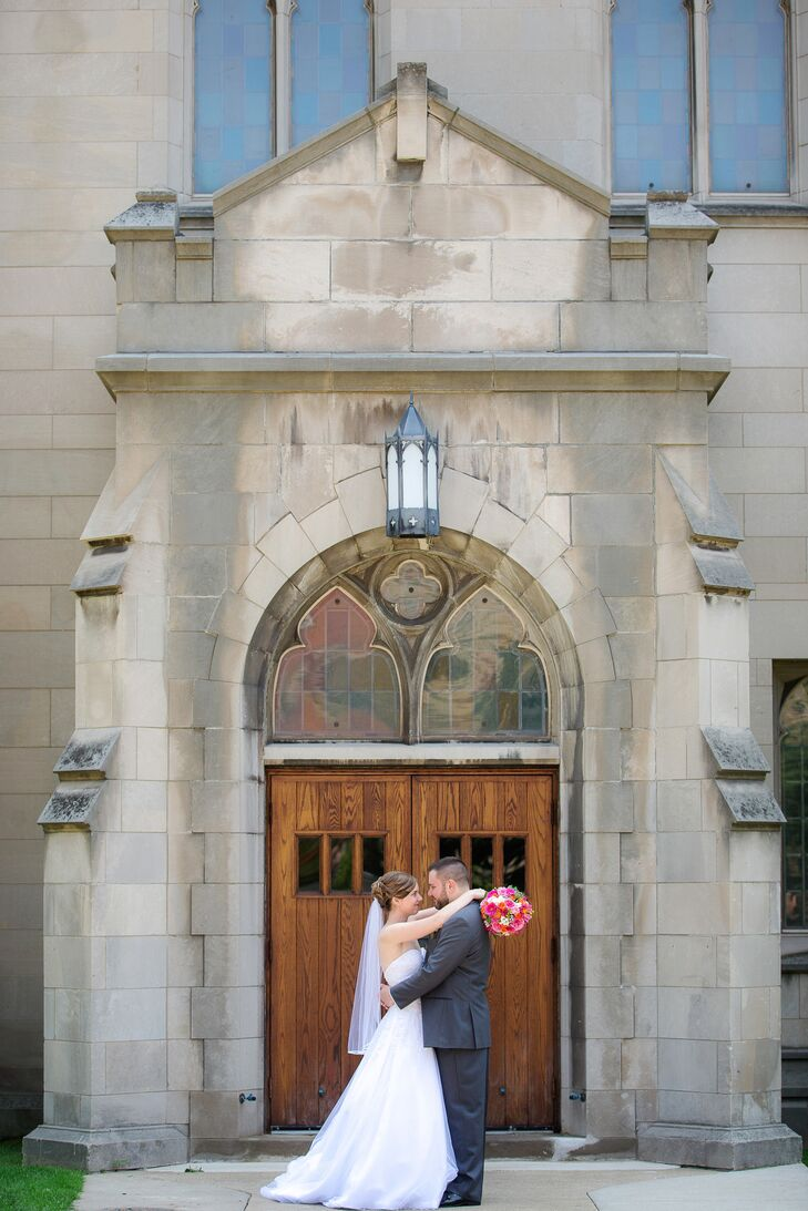 A traditional wedding at baker lofts in holland michigan for Second floor bakery holland mi