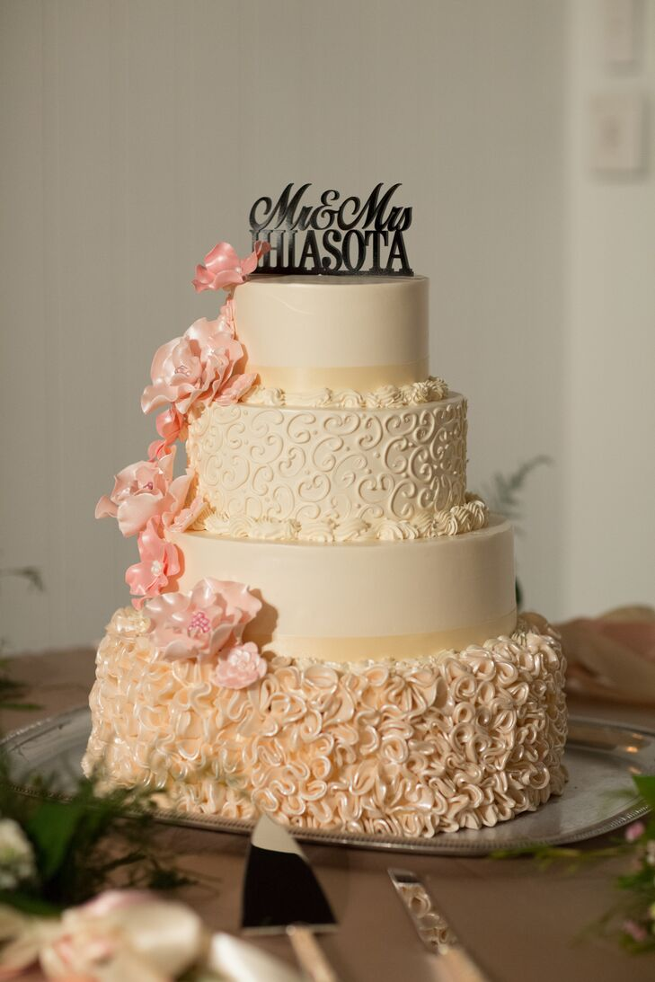 the knot wedding cakes michigan a traditional wedding at weber restaurant and 20862
