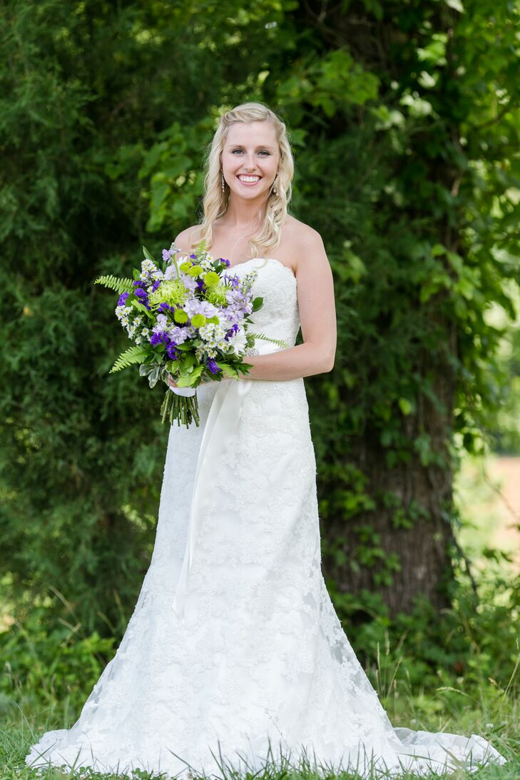 Jaime wore a strapless, slim A-line dress with lace and beading. She had it altered to have a sweetheart neckline.