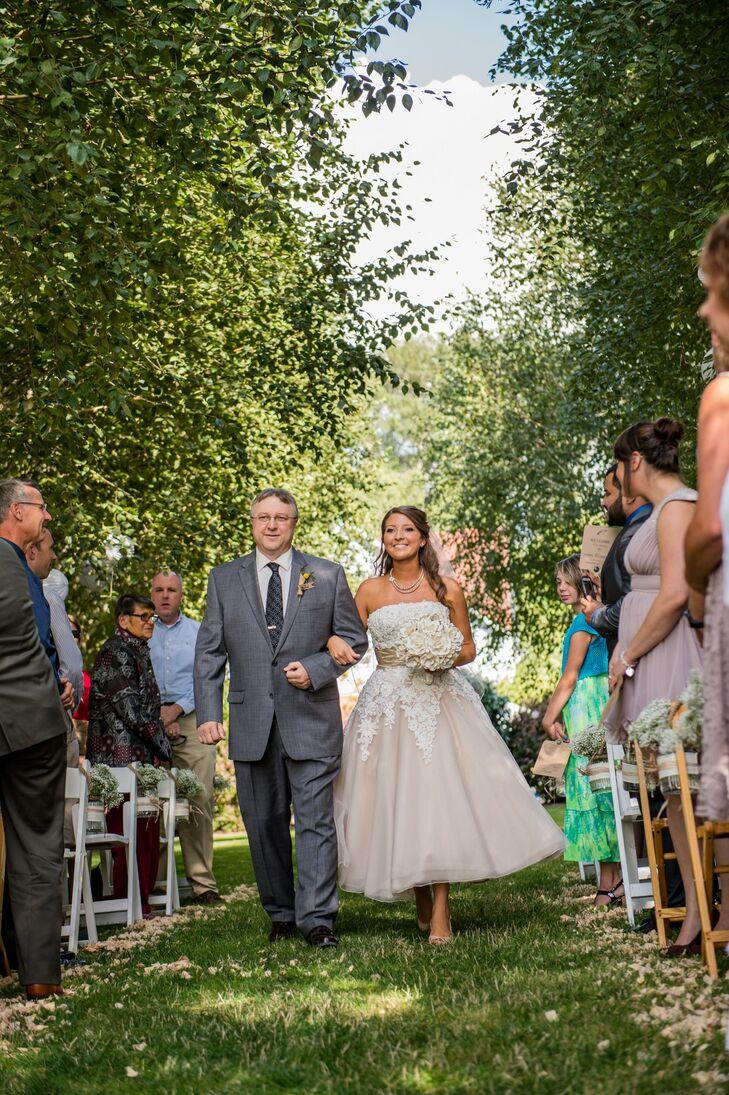 A handmade garden wedding in mount vernon wa for Outdoor wedding washington state