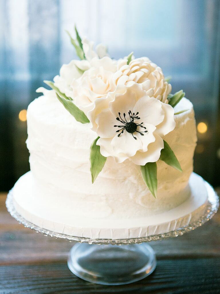 single layer wedding cake with flowers single tier wedding cake midway media 20143