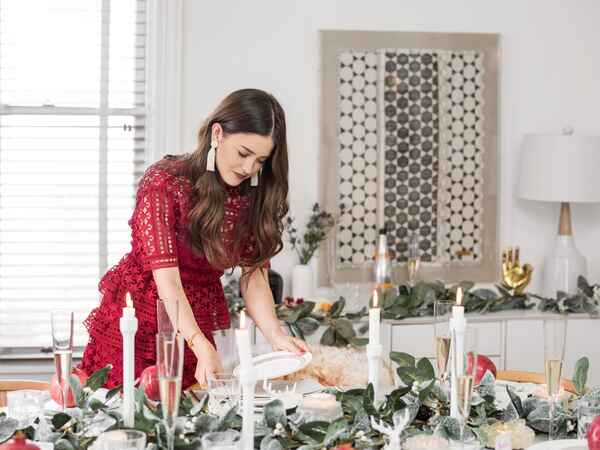 The Blank Itinerary blogger teamed up with Joss & Main to create a festive and stylish tablescape we can't get enough of.