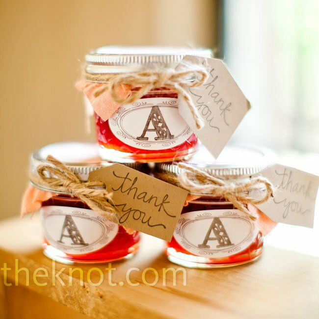 Mini Jelly Jars Wedding Favors: Strawberry Jam Favors