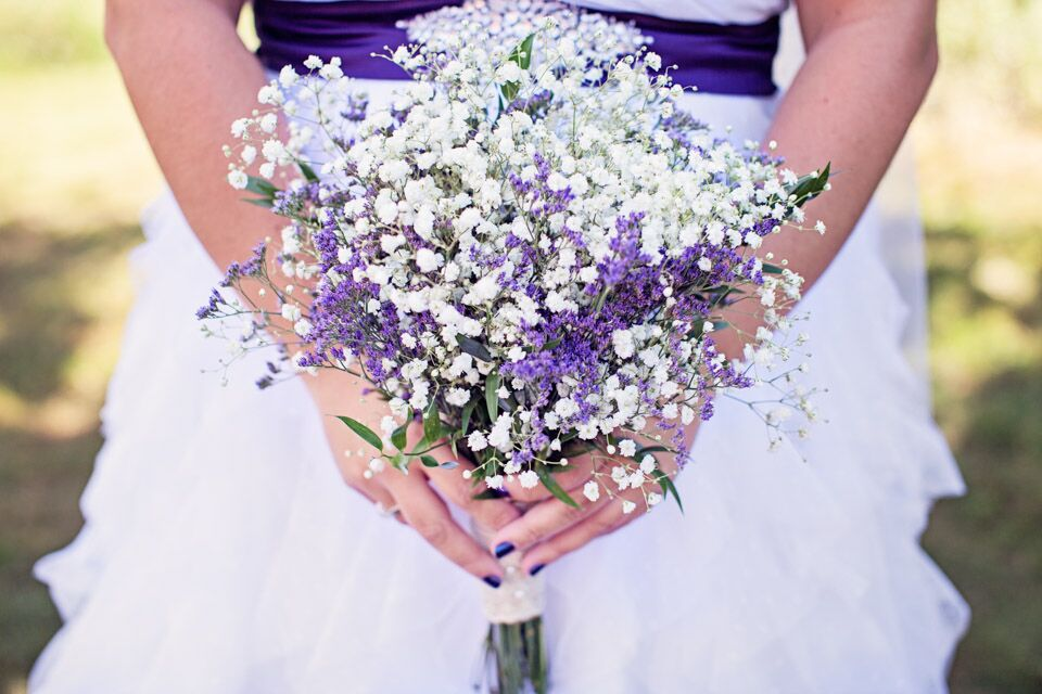 dried statice and baby s breath bouquet. Black Bedroom Furniture Sets. Home Design Ideas