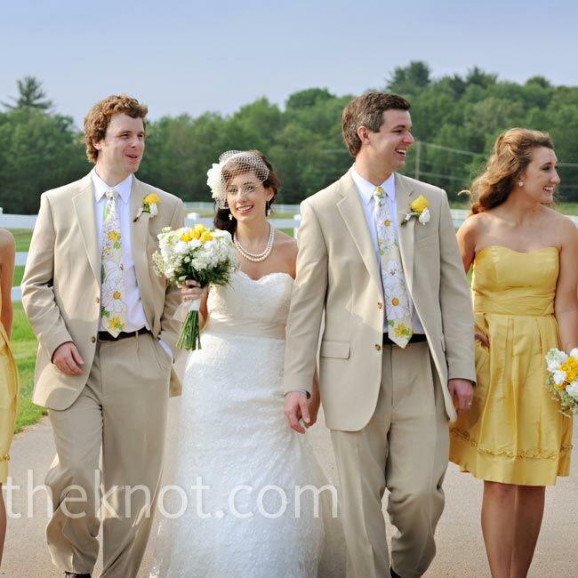 Casual Wedding Dresses Dallas : A casual outdoor wedding in dallas pa