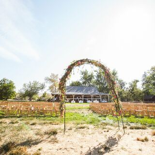 A DIY Barn Wedding in Boise