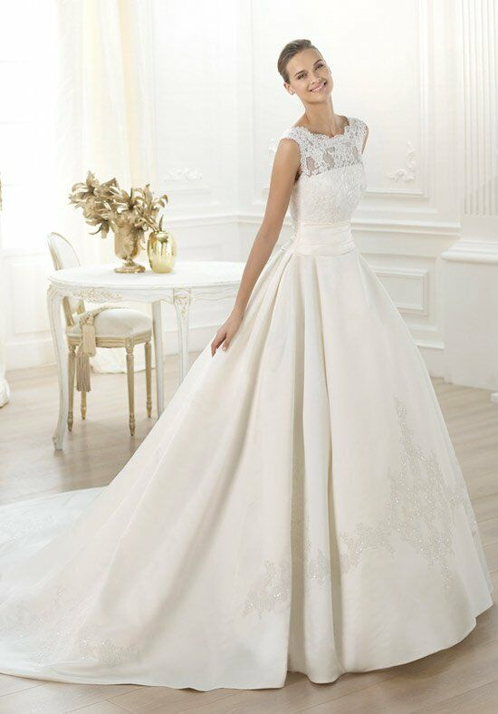 PRONOVIAS Laudin Wedding Dress photo