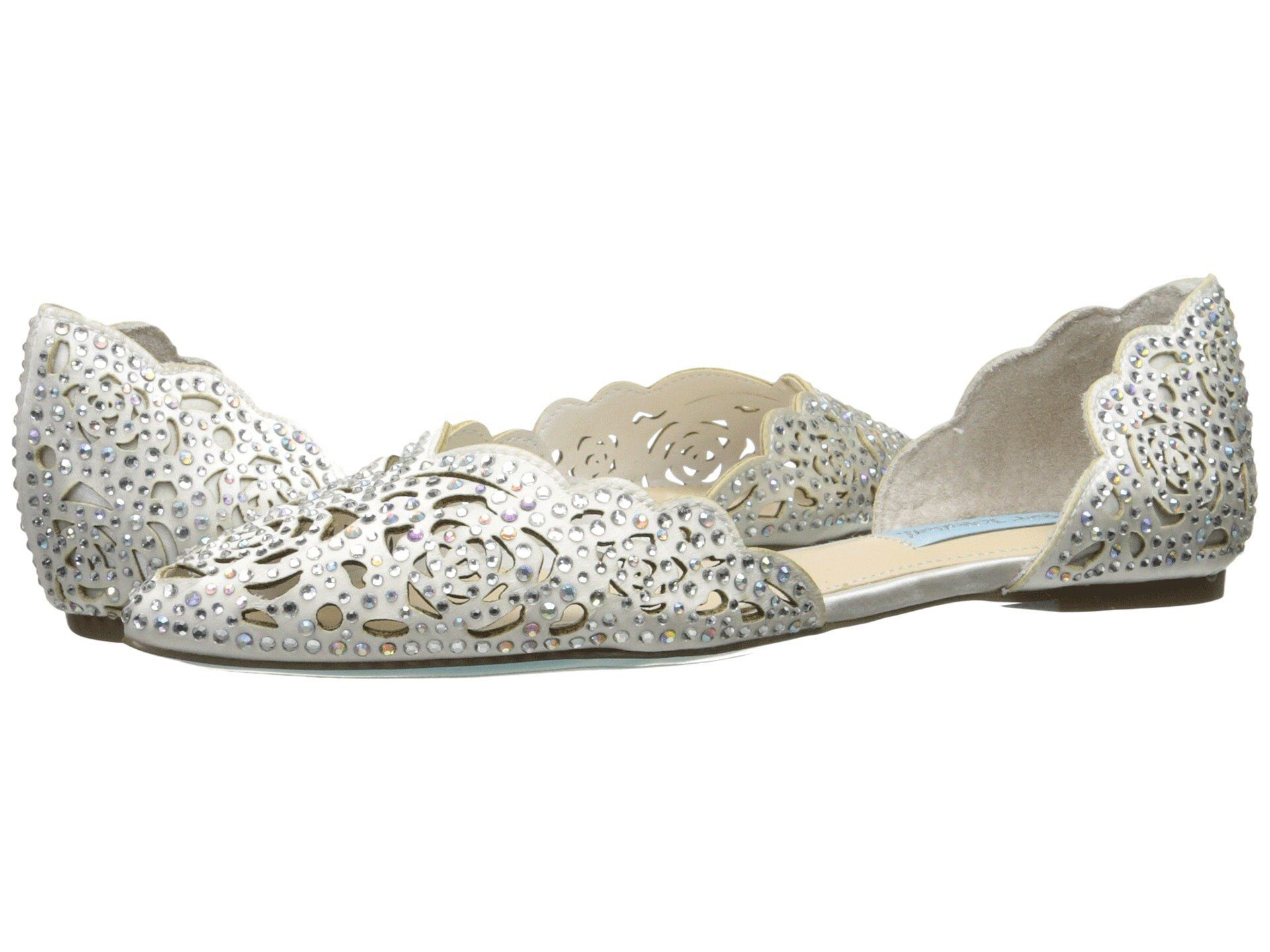39c13ac75ee76d 28 Beach Wedding Shoes That Are Stylish and Sand-Ready
