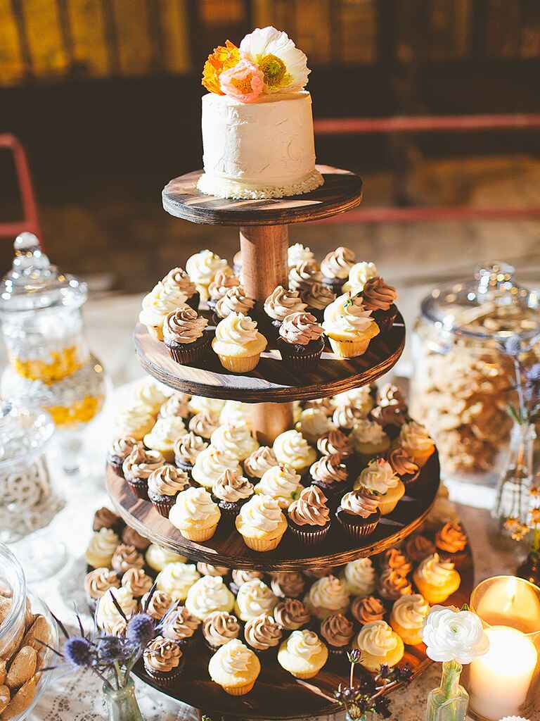 meaning behind feeding wedding cake 16 wedding cake ideas with cupcakes 17236