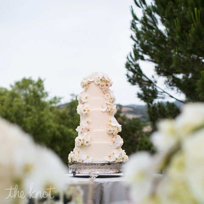 5 tier wedding cake with cascading flowers five tier cake with cascading flowers 10476