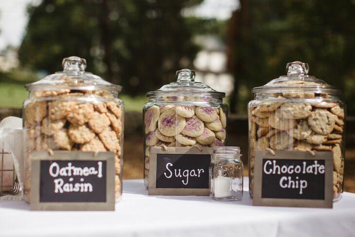 Penn State Wedding Gifts: Cookie Jar Wedding Favor Station