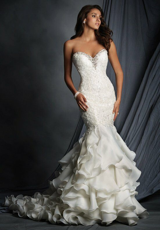 Alfred Angelo Signature 2527 Wedding Dress photo