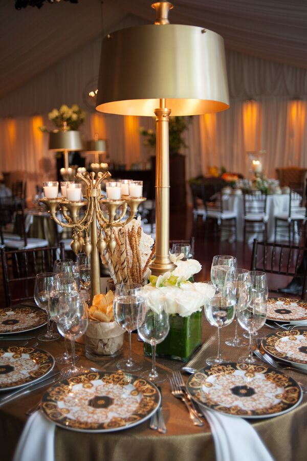 Sleek Gold Lamp and Candelabra Centerpieces