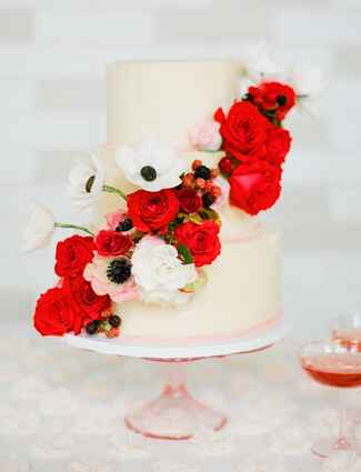 Sugar Flower Cake Shop fresh flowers and berries wedding cake