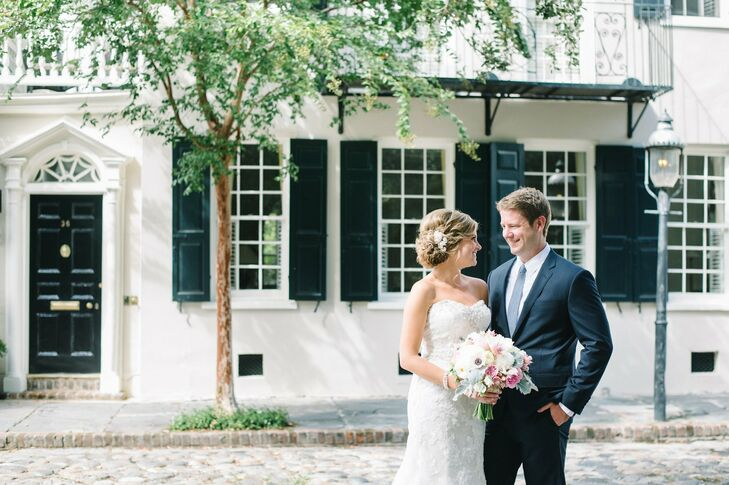 Tara and Richard infused their wedding at the Magnolia Plantation in Charleston with rustic chic touches and a sophisticated navy, dusty shale and pin