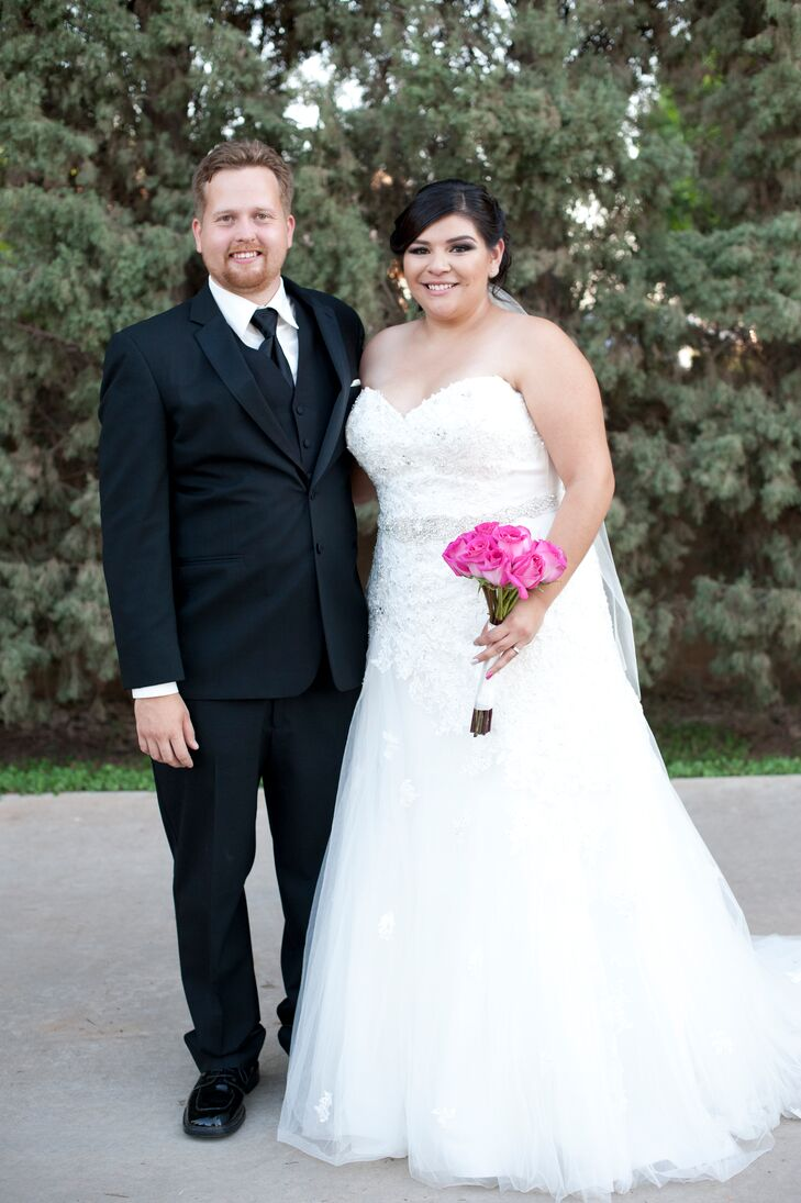 Wedding Dresses Yuma Az : Autumn backyard ceremony