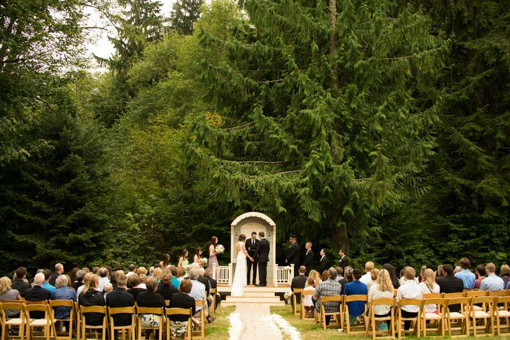 A Playful Outdoor Wedding In Snohomish, WA
