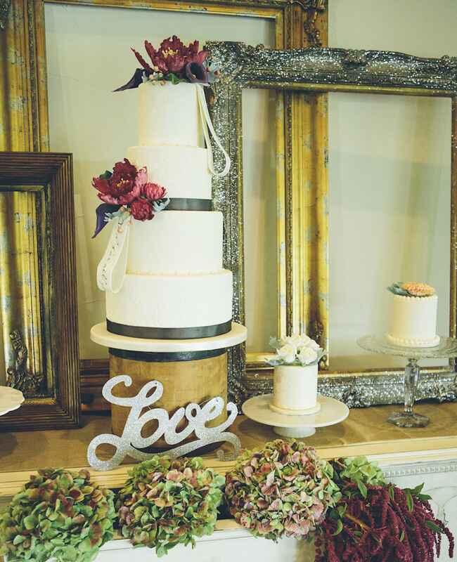 Fresh Or Sugar Wedding Cake Flower Quiz See The Photos