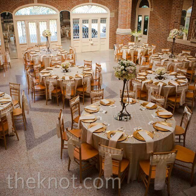 Wedding Decor 101: Champagne And Gold Reception
