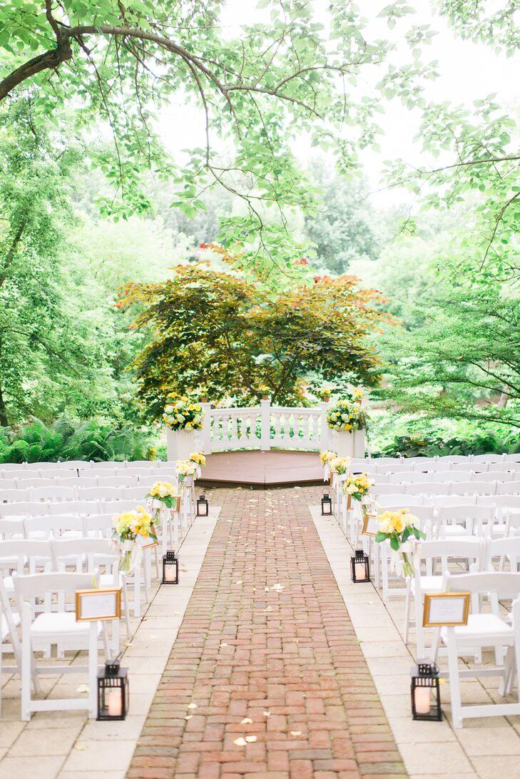 a yellow and green wedding at elkridge furnace inn in