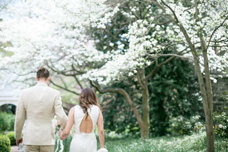 A rustic romantic wedding at carlyle house historic park House of flowers alexandria la