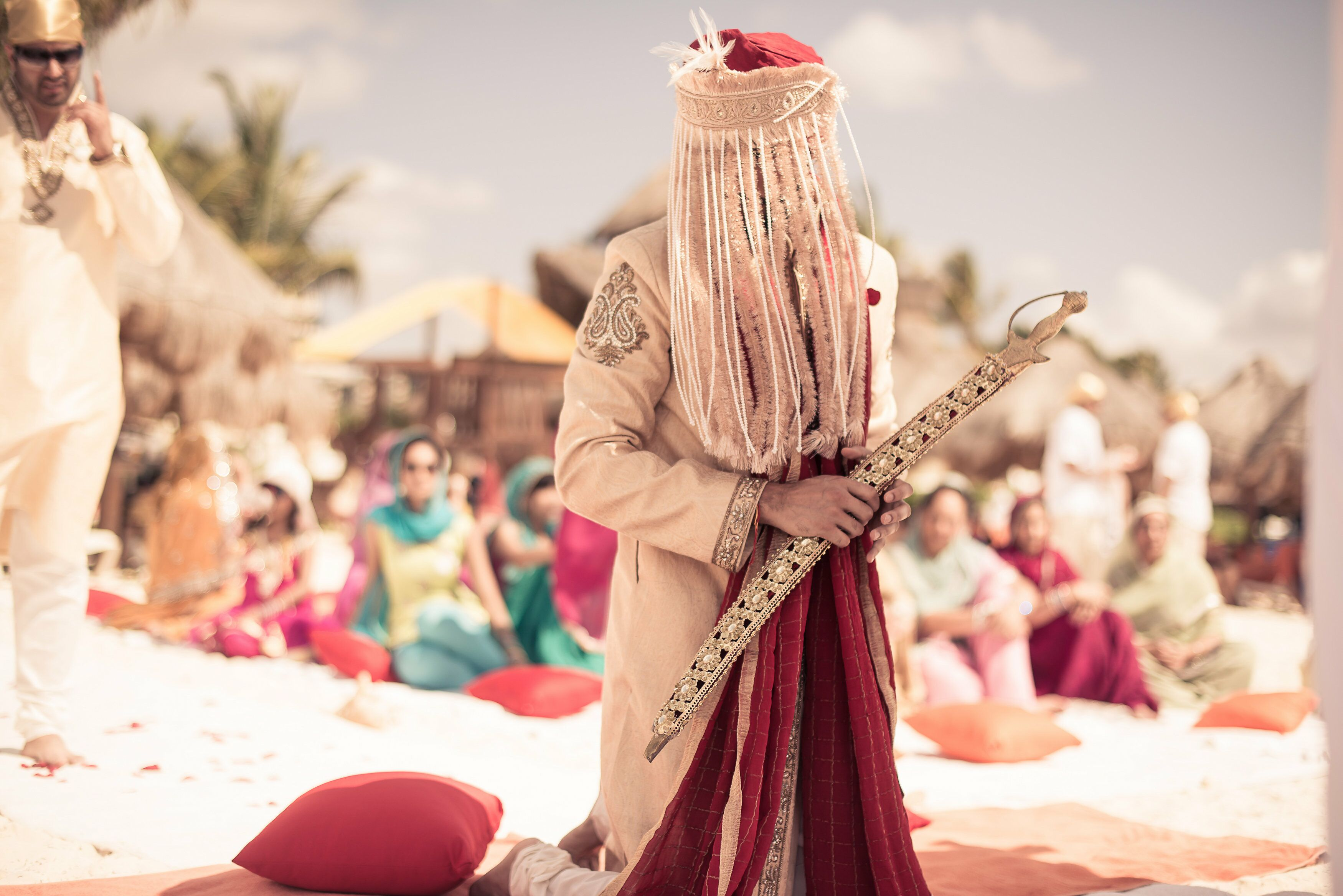 Traditional Wedding Gifts From Groom To Bride: Traditional Sikh Wedding Groom Sherwani