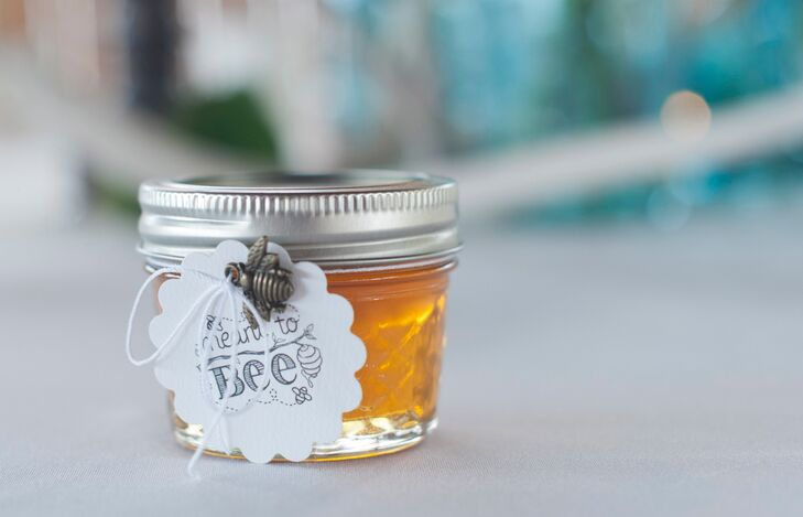 DIY Honey Mason Jar Wedding Favors