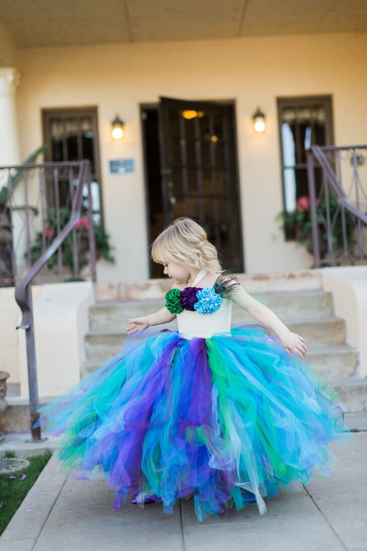 A Diy Peacock Inspired Wedding At Secret Garden In Phoenix Arizona