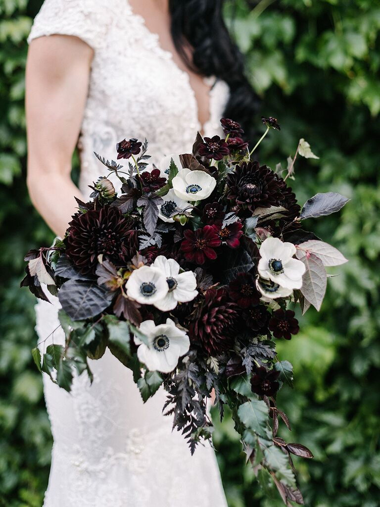 15 fall wedding bouquet ideas and which flowers theyre made with dahlias and anemones junglespirit Choice Image
