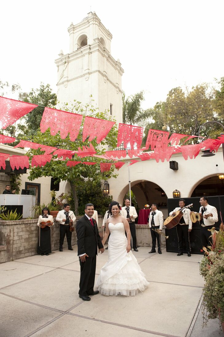 A Los Angeles River Center And Gardens Wedding In Los Angeles California