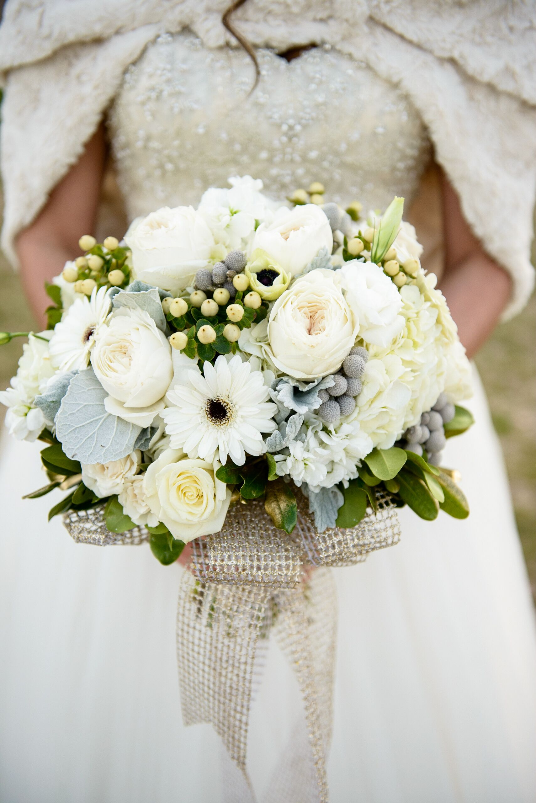 Winter White Rose And Daisy Bouquet