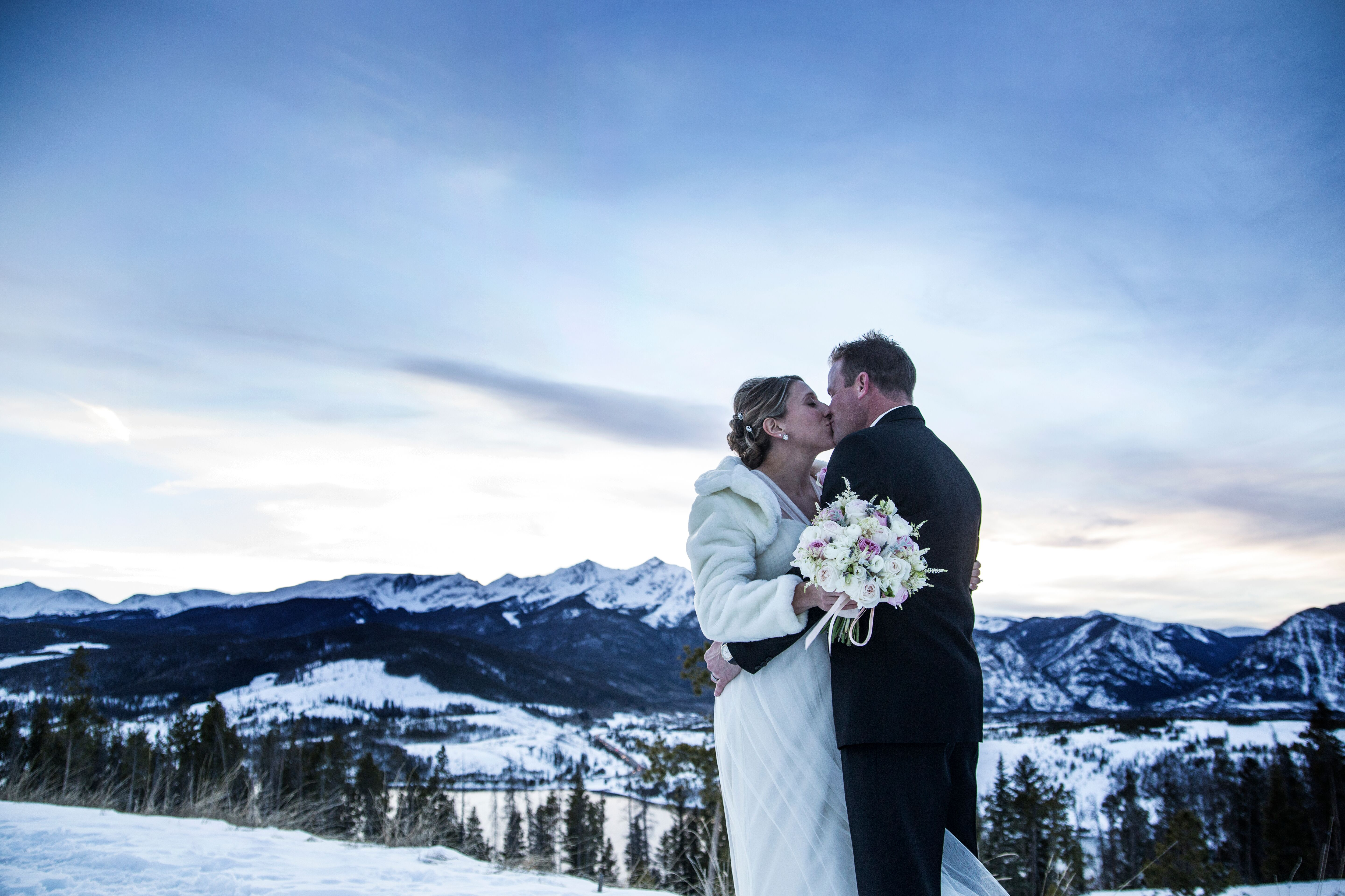 A Winter Mountain Wedding at Sapphire Point in Dillon ...