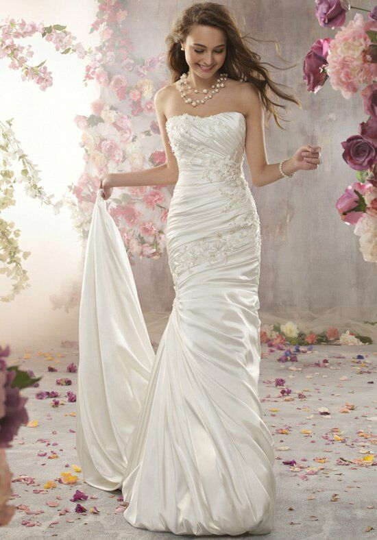 Alfred Angelo Signature 2362 Wedding Dress photo