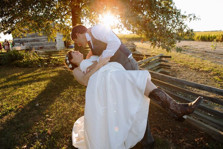 a diy barn wedding at the kelley agricultural historical museum in Wedding Essentials Indiana a diy barn wedding at the kelley agricultural historical museum in kokomo, indiana wedding essentials indiana