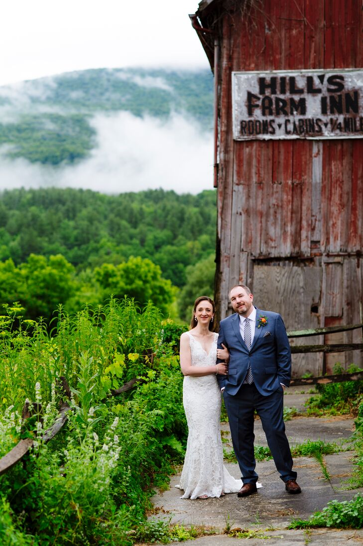 A Rustic Summer Wedding At Hill Farm Inn In Sunderland Vermont