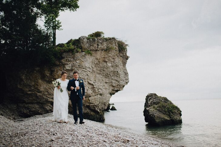 """We've always enjoyed the slower, beautiful months of fall, so we wanted to have an autumn-inspired wedding,"" Lauren Barone (29 and an anesthesiologis"