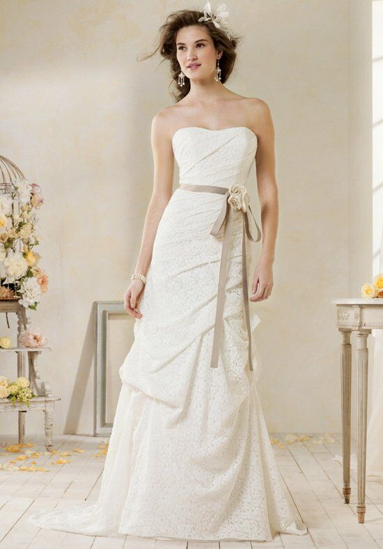 Modern Vintage by Alfred Angelo 8523 Wedding Dress photo