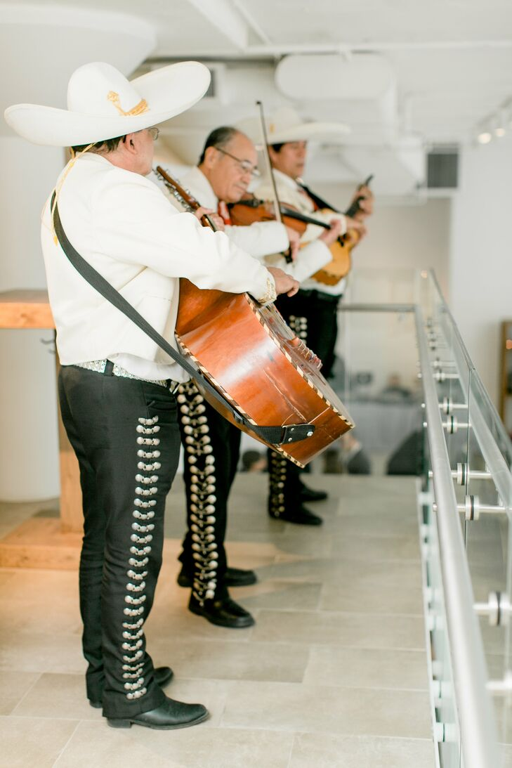 During the cocktail hour, guests were serenaded by a mariachi trio, a Mexican wedding tradition.