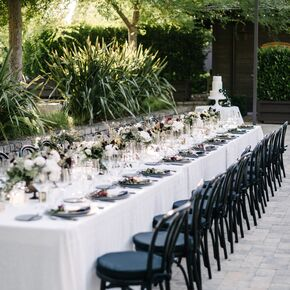 Vineyard wedding decorations accents romantic black and white themed banquet table junglespirit Gallery