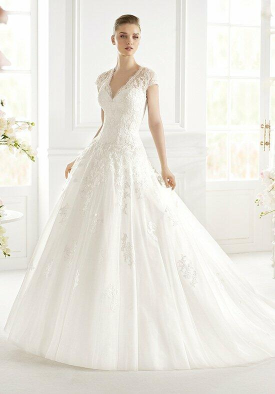 AVENUE DIAGONAL Gislena Wedding Dress photo