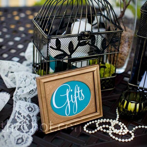 Wedding Gift Table: Vintage Wedding Decor