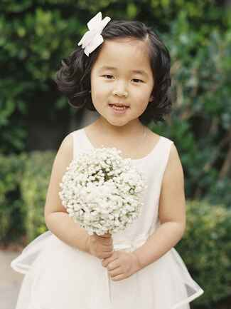 Short hairstyle with bow for flower girls